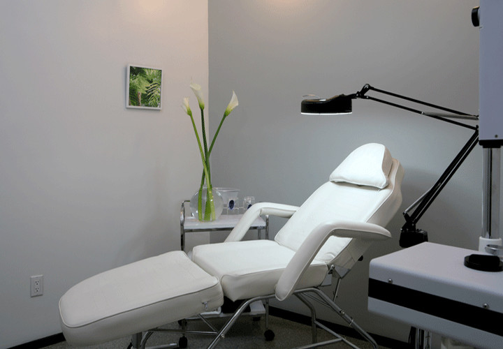 threading salon NYC Wax Room